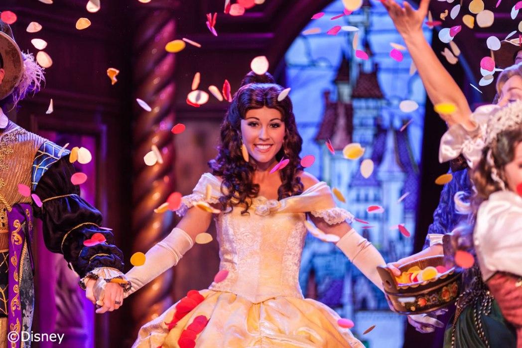 """ディズニープリンセスの物語をショーで観よう!""""ロイヤル・シアター""""(Storytelling at Royal Theatre)"""