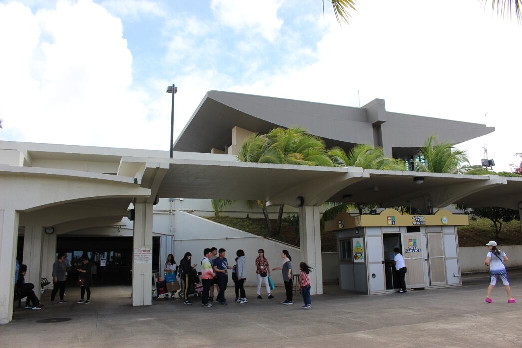 古代遺跡ラッテストーンの形をしているグアム国際空港