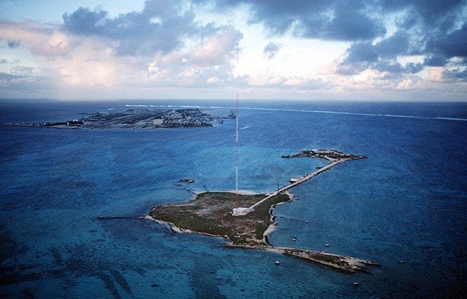 ジョンストン環礁空港