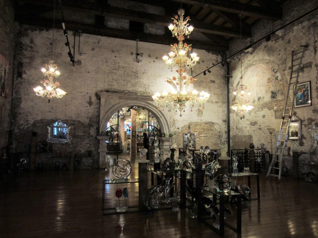 ムラーノガラス工場館内の展示品