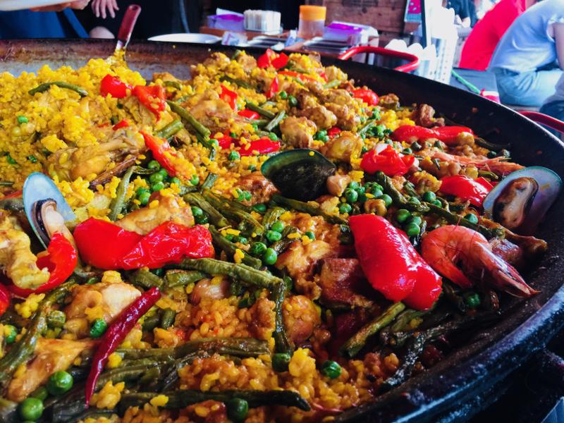 人気レストラン「ビバ8(viva8)」のパエリア