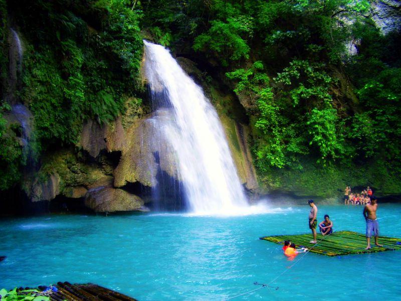 Kawasan Falls、フィリピン