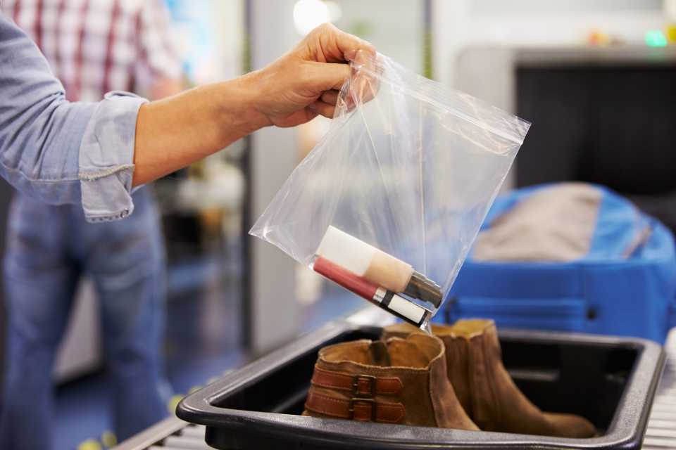 国際線 機内持ち込み 飛行機 液体物 袋