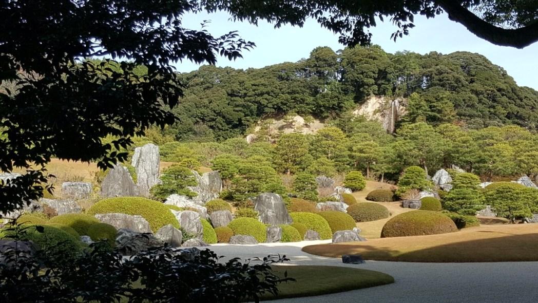 足立美術館の主庭である「枯山水庭」