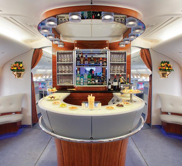 エミレーツ航空機内ラウンジ