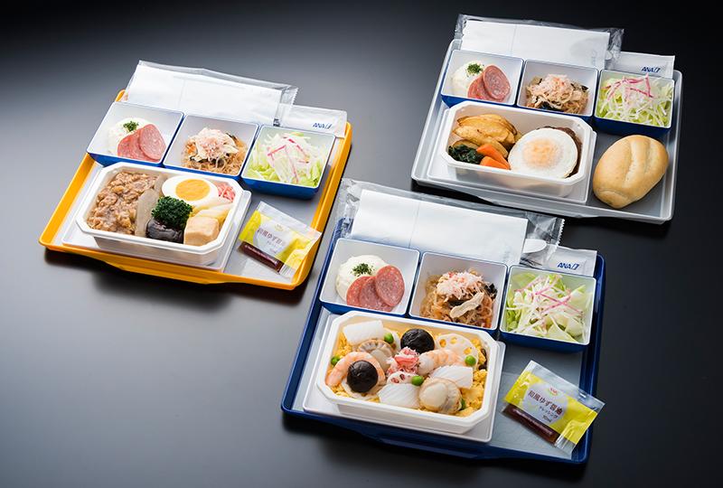 味だけでなく、見た目でも配慮を - ANAの機内食