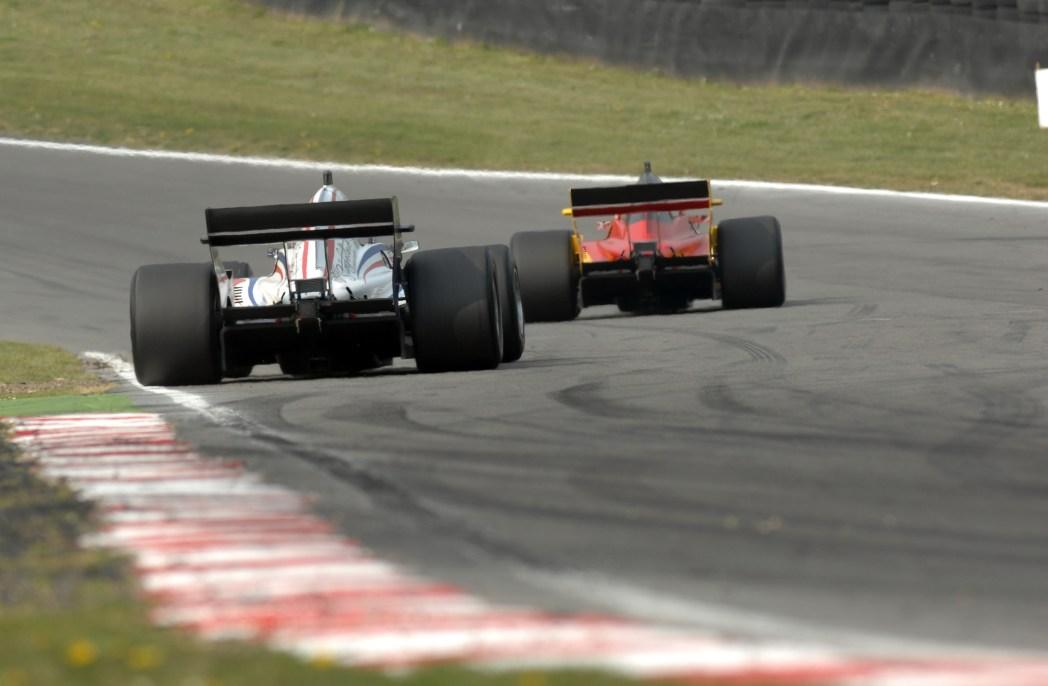 ヨーロッパ全土から多くの人がこの時期F1観戦