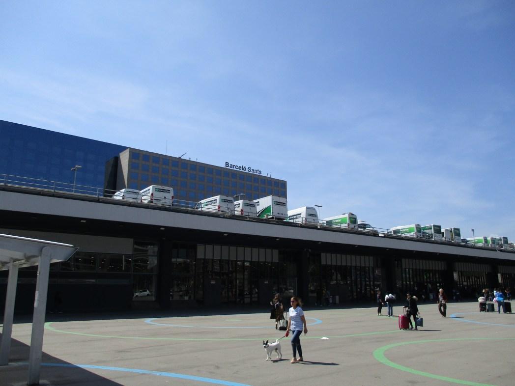 サンツ駅周辺