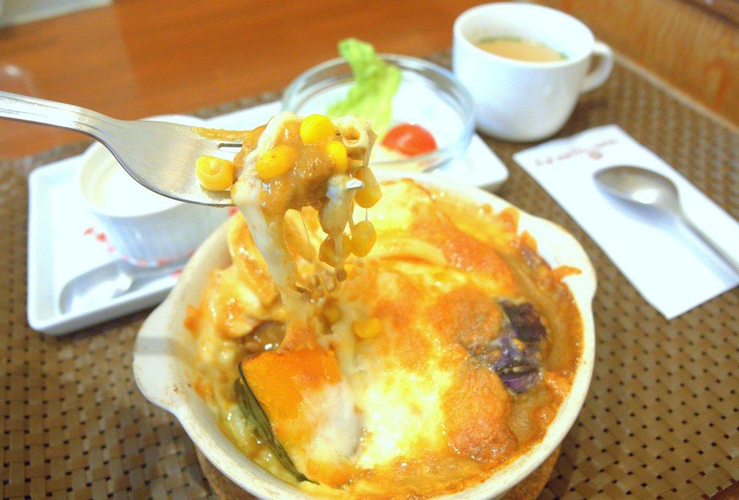 「美瑛カレーうどん」(焼き麺)