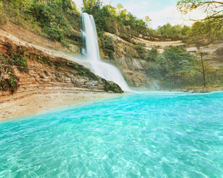 Cat-Umantad Falls、フィリピン