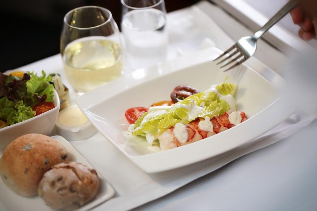キャセイパシフィックのビジネスクラスの機内食