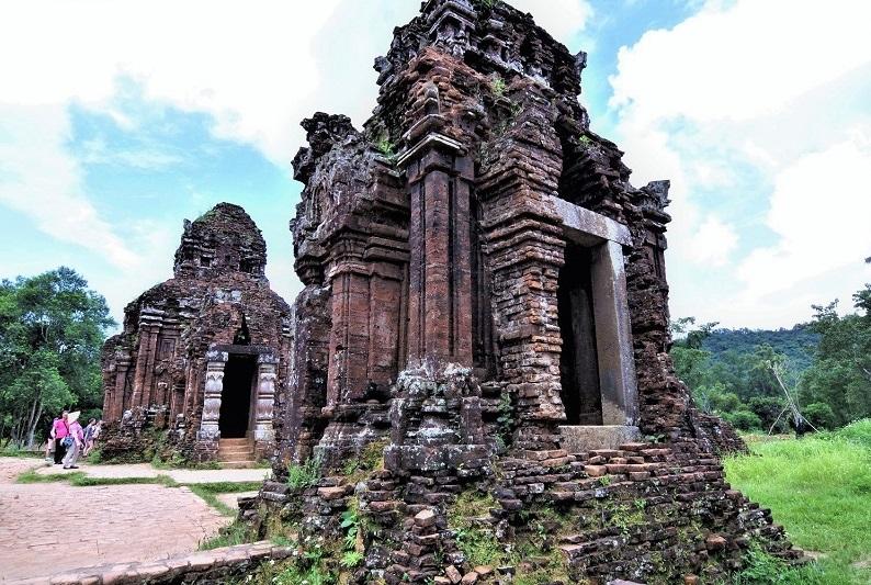 チャンパ王国の栄華の跡、世界遺産「ミーソン遺跡」