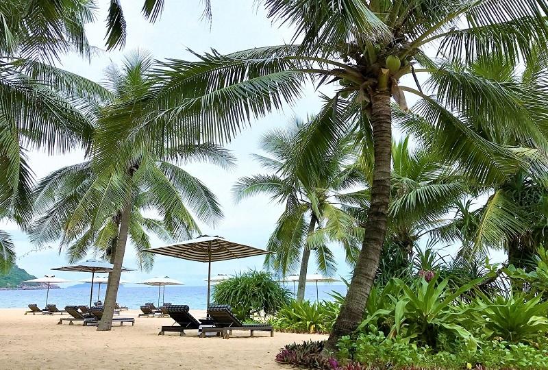 プライベートビーチでゆっくり過ごすならリゾートホテルで