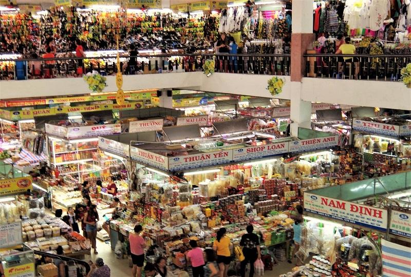 活気溢れるハン市場