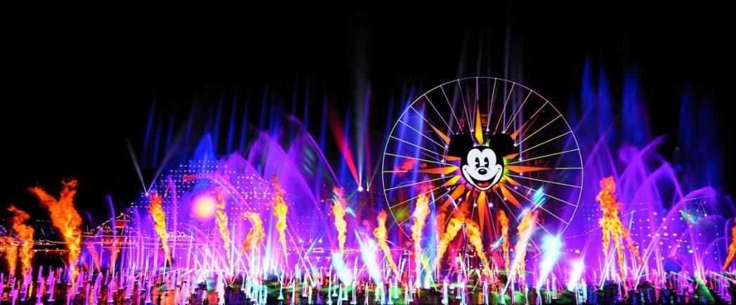 幻想的なショー「ワールド・オブ・カラー」