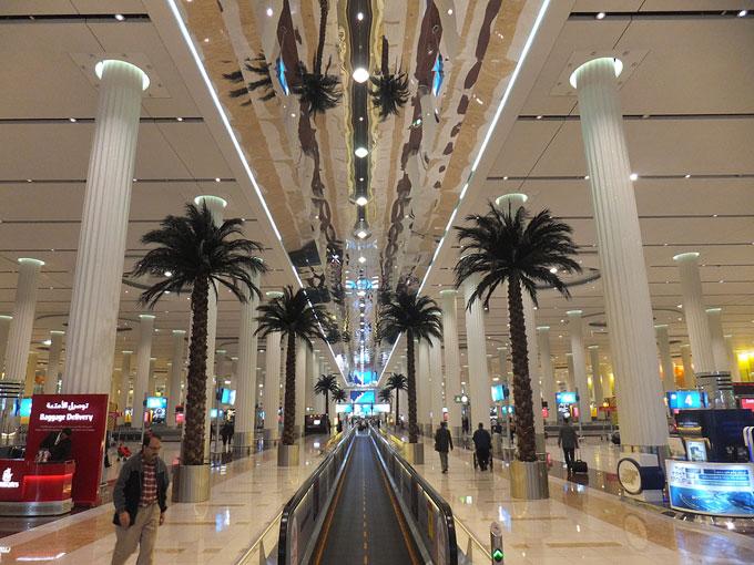 ドバイ国際空港、アラブ首長国連邦