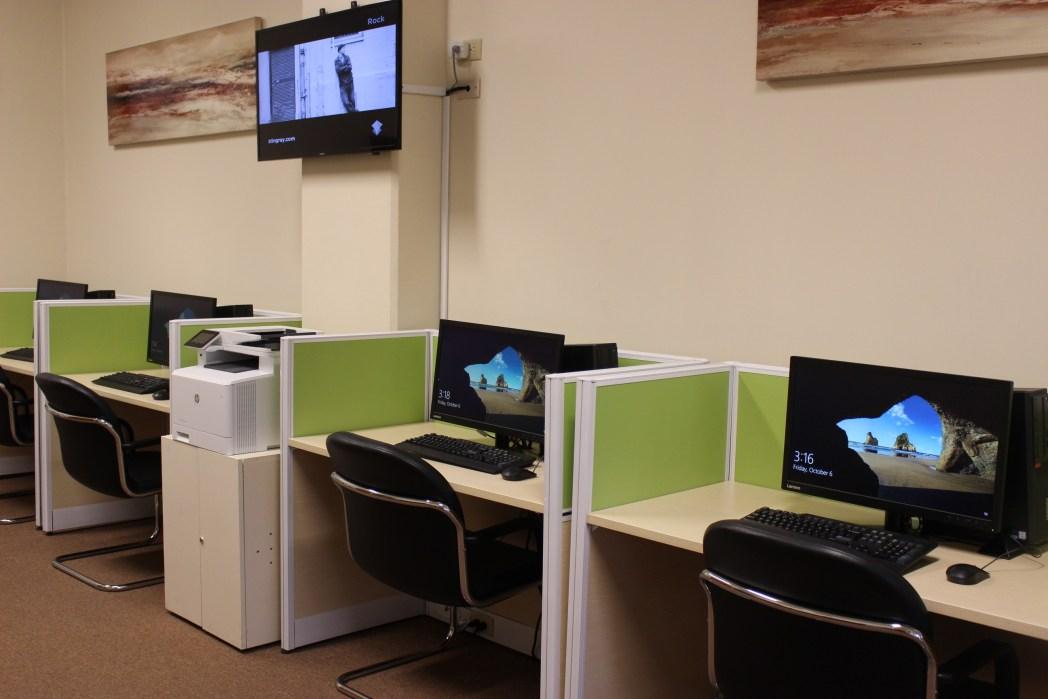 インターネット環境が整った「ビジネスセンター」