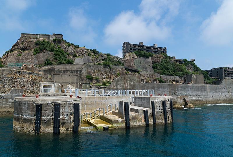 軍艦島への上陸を許可されている、長崎市内のクルージング会社4社が利用できます。