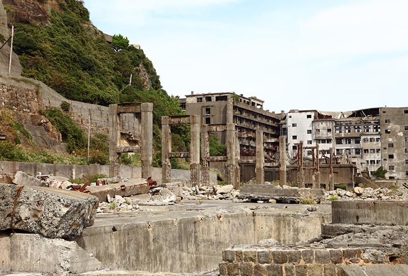 三菱合資会社が鉱区の権利を買収して開拓された軍艦島