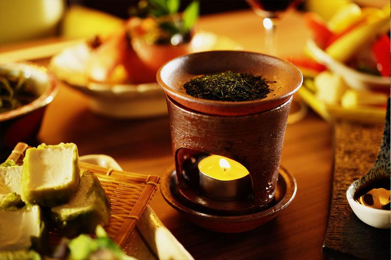 茶香炉によるお茶の優しい香りを満喫