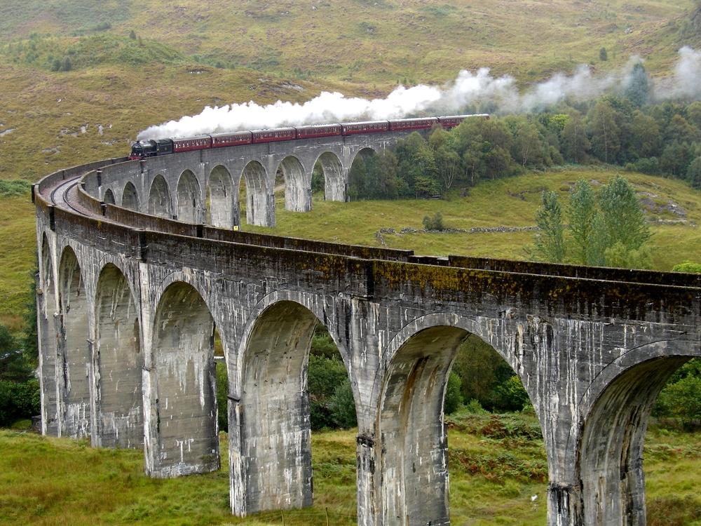 スコットランド、グレンフィナン陸橋