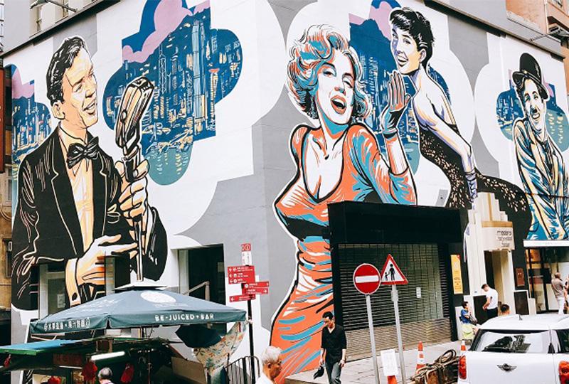 壁に描かれたチャップリンとマリリン・モンローが目印の「ホテル・マデラ・ハリウッド」