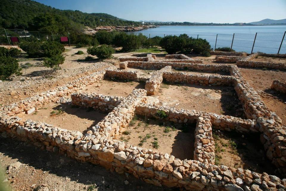 世界遺産にも登録されているサ・カレタ(Sa Caleta)
