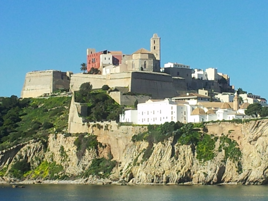 紀元前654年にフェニキア人が築いた城壁