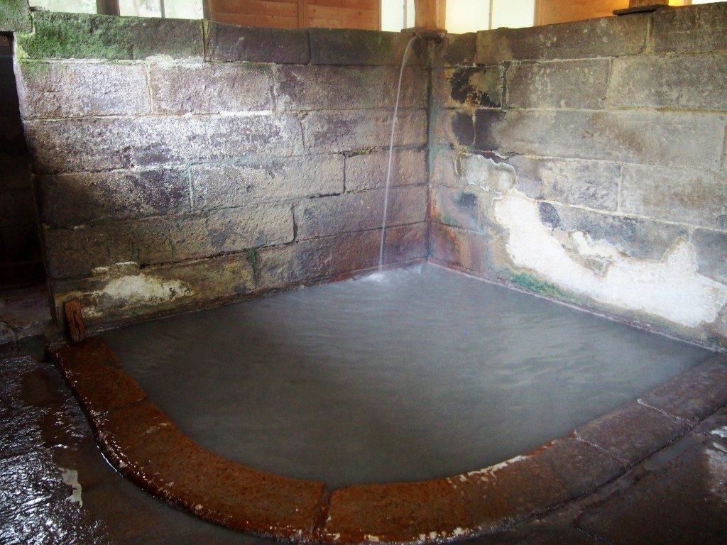西郷隆盛が入浴したと伝えられる「栗野岳温泉 南洲館」