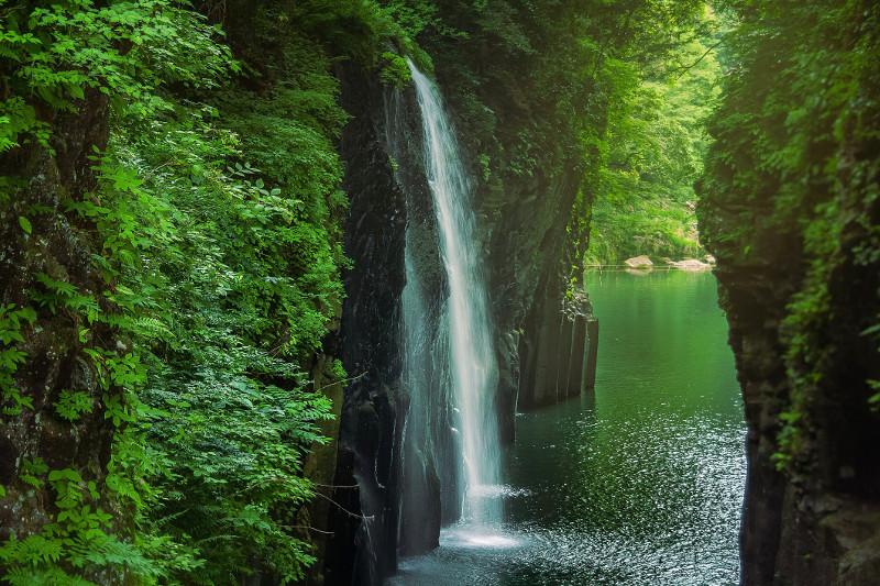 国の名勝・天然記念物に指定されている高千穂峡
