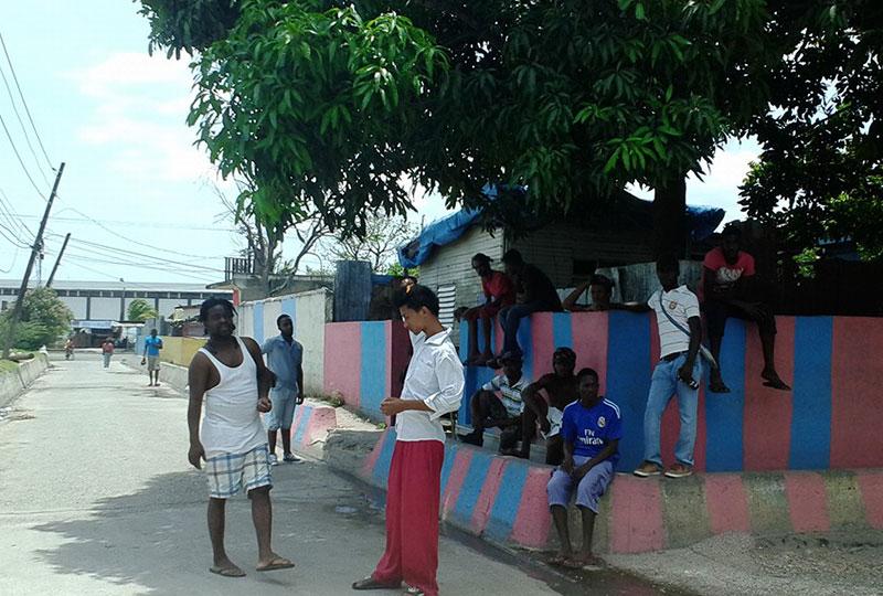 陽気なジャマイカンが声をかけてくるのは日常茶飯事