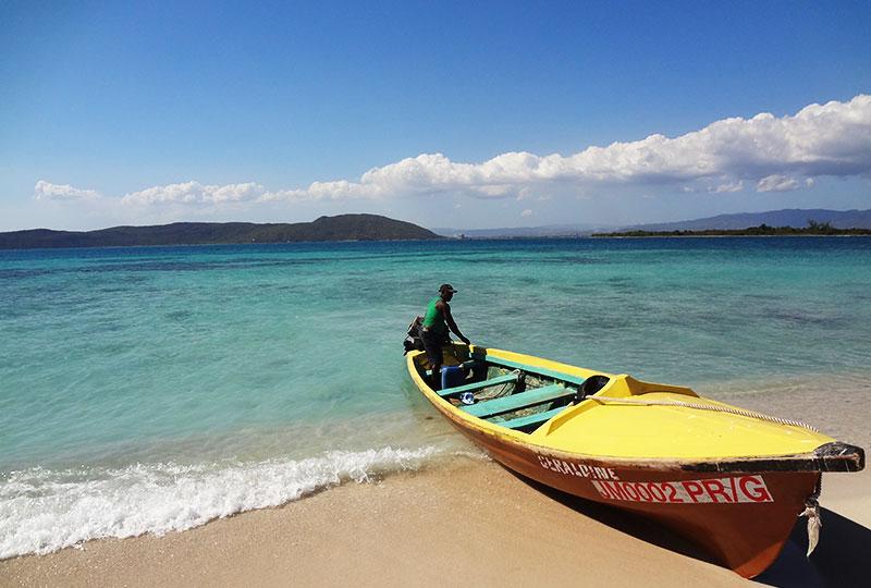 無人島ライムキー行きのボート