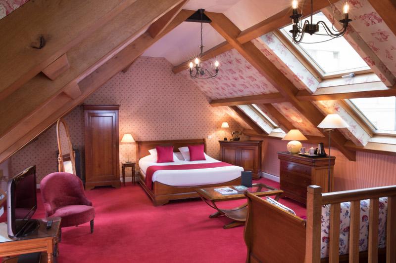 隠れ家のような雰囲気で、フランスらしさを感じられるホテル