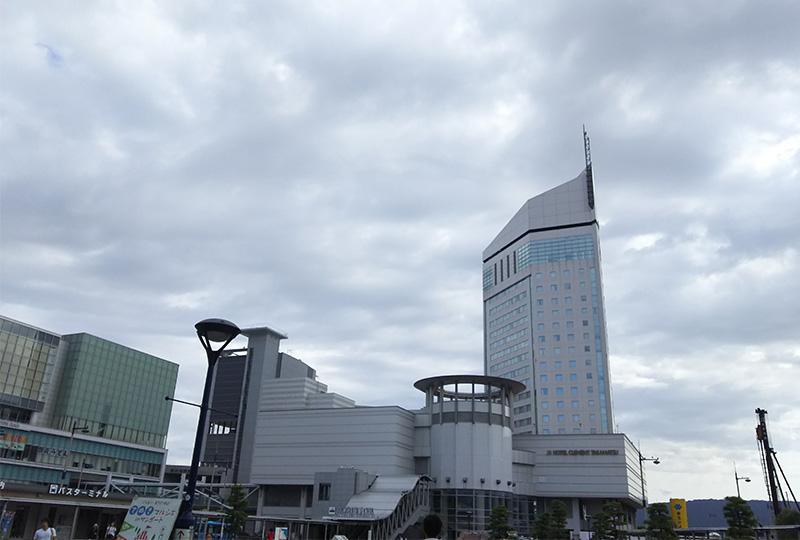 県内でもグレードの高いホテル・JRホテルクレメント高松は、JR高松駅から徒歩圏内です