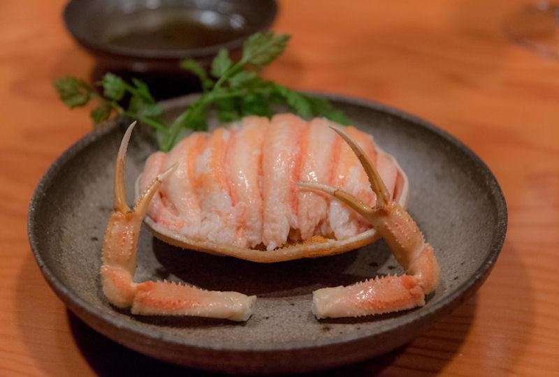 身を出して食べやすく提供された香箱蟹