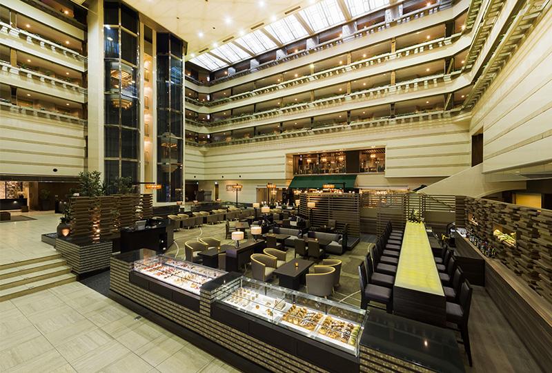 京懐石、鉄板焼き、中国料理など、自慢の料理を提供してくれる5つのレストランがおすすめの京都ブライトンホテル