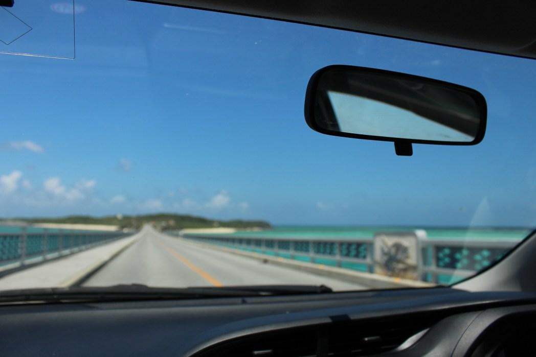 車窓から眺める宮古島