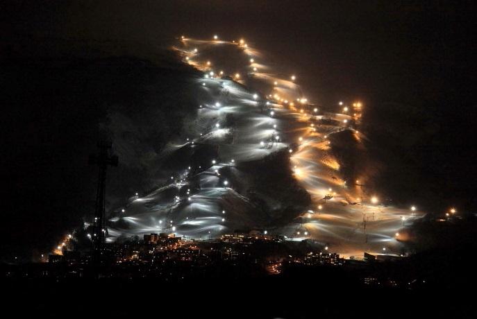 スキー場の夜景