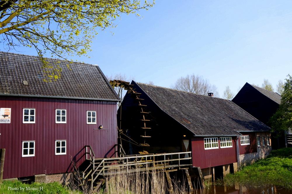ゴッホが作品で描いた水車小屋