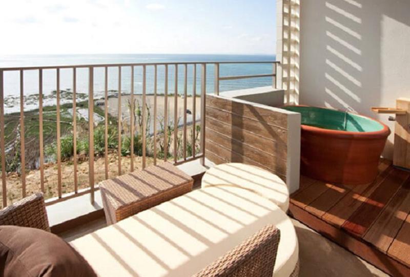 客室の露天風呂からオーシャンビューが楽しめる、夢のようなお部屋