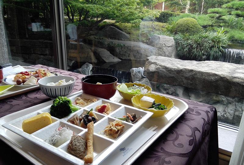 和食・洋食両方用意されている今治国際ホテルの朝食バイキング