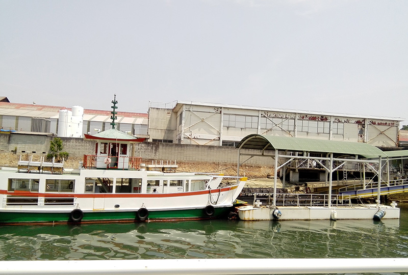 向島の渡し船(駅前渡船)乗り場