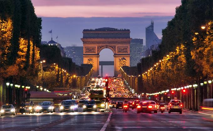 フランス、パリの凱旋門