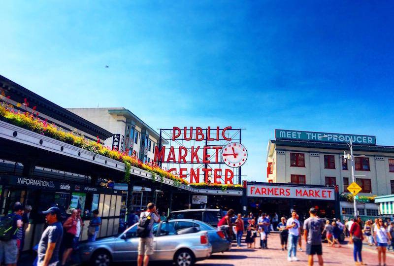 シアトルのダウンタウンでも屈指の観光名所「パイク・プレイス・マーケット」