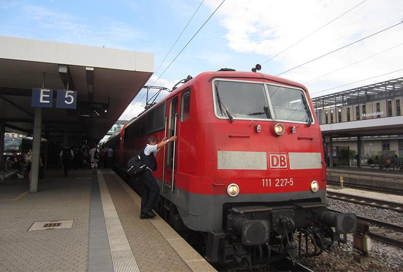 レーゲンスブルクからミュンヘンへの移動に便利なローカル列車