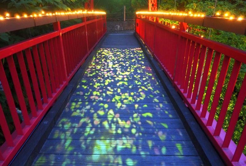 定山渓ネイチャールミナリエのクライマックス「二見吊橋」