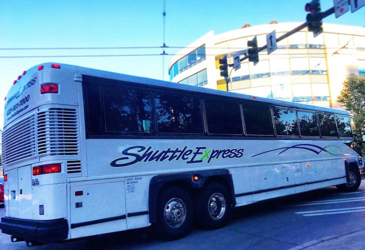 空港から市内の希望場所まで送迎してくれるシャトル・エクスプレス