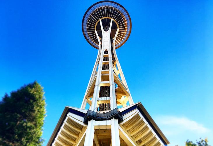 高さ約184mのシアトルのシンボル「スペースニードル」