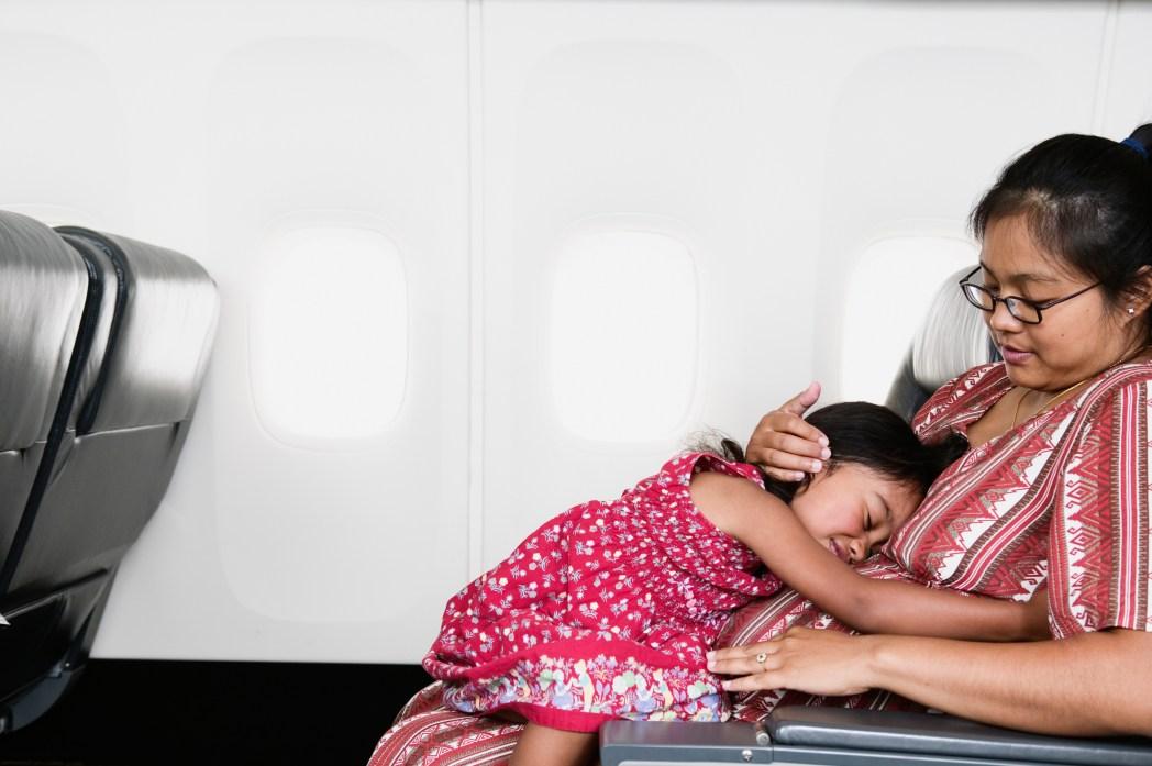 機内で睡眠をとろう
