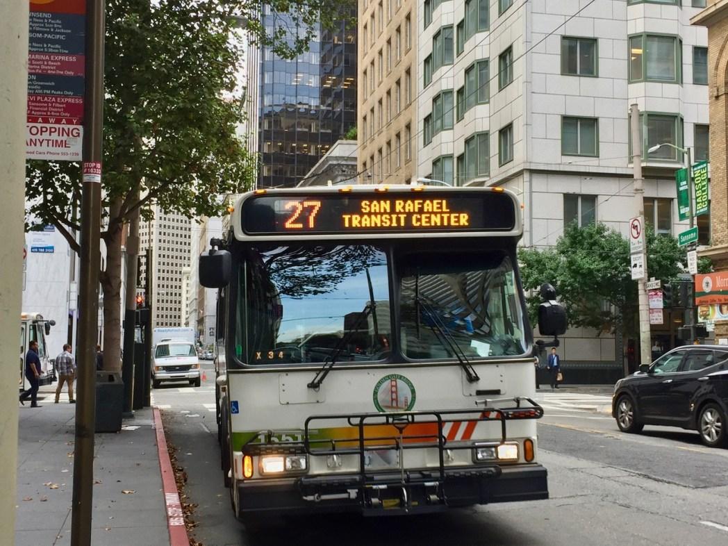 ゴールデン・ゲート・トランジットのバス